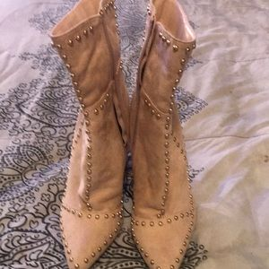 Brand new never worn suede boots
